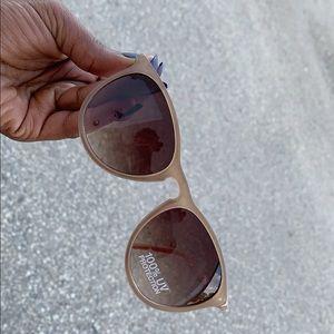 Reitmans Accessories - Sun glasses